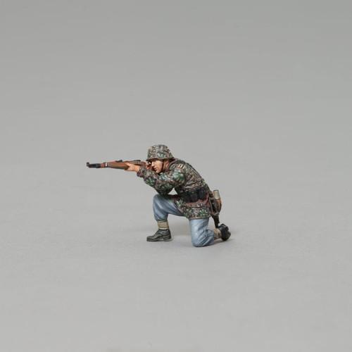 Thomas Gunn Miniatures SS074B World War II SS Soldier Kneeling With Rifle