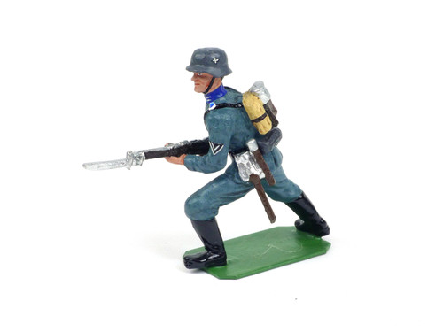 Alymer Military Miniatures A-225/A German Infantry Soldiers in Action Modern Series