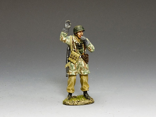 King & Country Soldiers LW068 Luftwaffe Giving The Signal