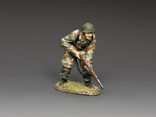 King & Country Soldiers LW083 Luftwaffe FJ Cautiously Advancing