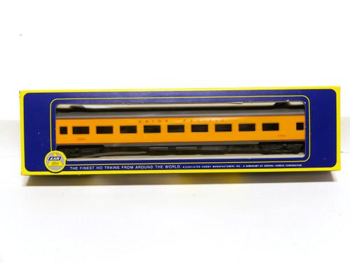 AHM HO Scale Union Pacific 1930 85' Coach Passenger Car 6404
