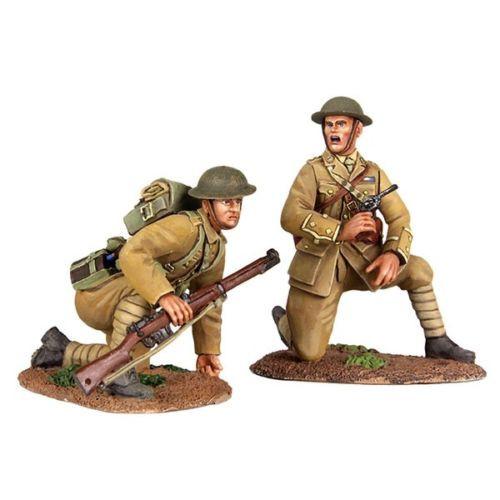 W Britain 23073 Move Up British Infantry Officer Kneeling Infantry Preparing