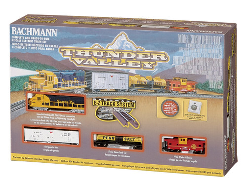 Bachmann N Scale 24013 Thunder Valley Santa Fe GP40 Freight Set