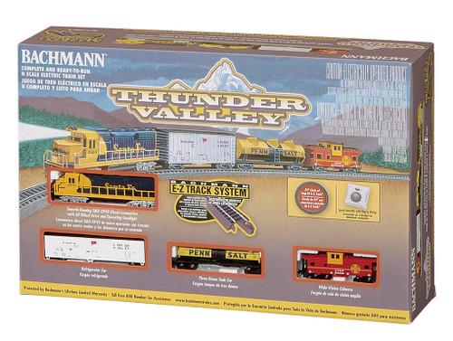 Bachmann N Scale 24013 Thunder Valley Santa Fe GP40 Freight Set