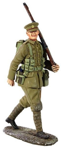 WBritain 23066 1914 British Infantry Marching with Full Kit No.1 - 1 Piece Set in Clamshell Pack
