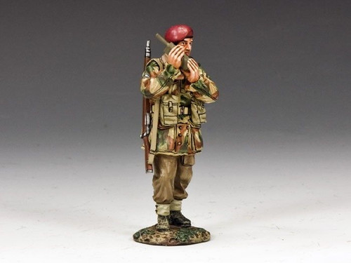 "King & Country MG041(P) World War II ""Walkie Talkie"""