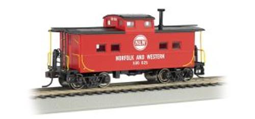 Bachmann 16817 HO Scale NE Steel Caboose N&W #557707/red