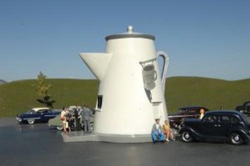 Bachmann Trains 35202 HO Scale Roadside USA The Coffee Pot