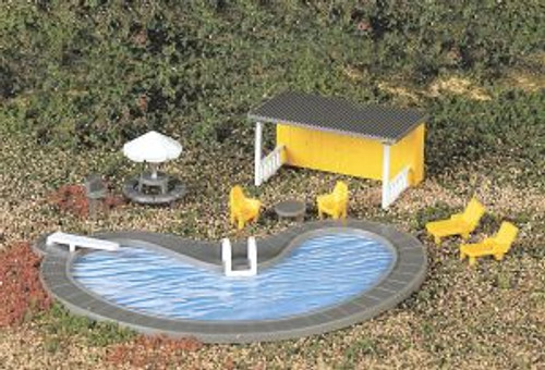 Bachmann Trains 42215 HO Scale Swimming Pool & Accessories