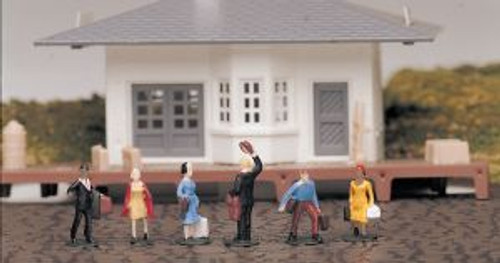 Bachmann Trains 42330 HO Scale People Waiting Passengers