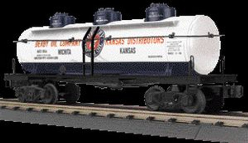 MTH Trains 30-73420 O Gauge Derby Oil Company 3-Dome Tank Car