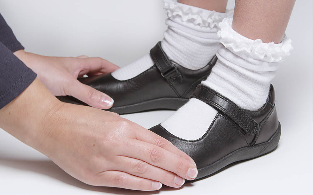 Advice on kids shoes - what is children's fitted footwear?