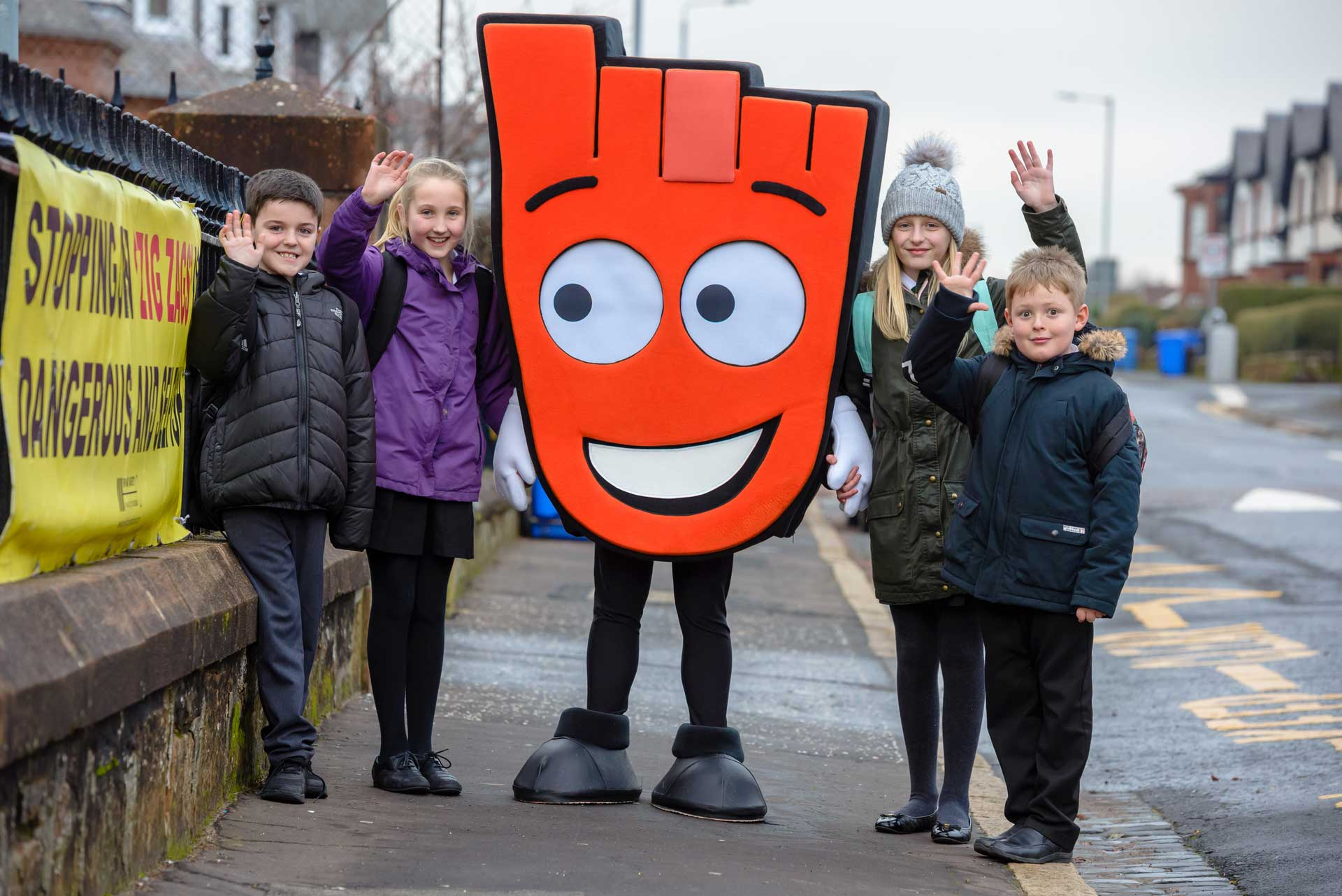 Schoolkids with Living Streets mascot