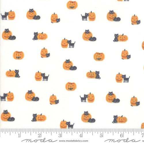 Moda Fabrics - Black Cats in Cream - Ghouls Goodies - Stacy Iest Hsu