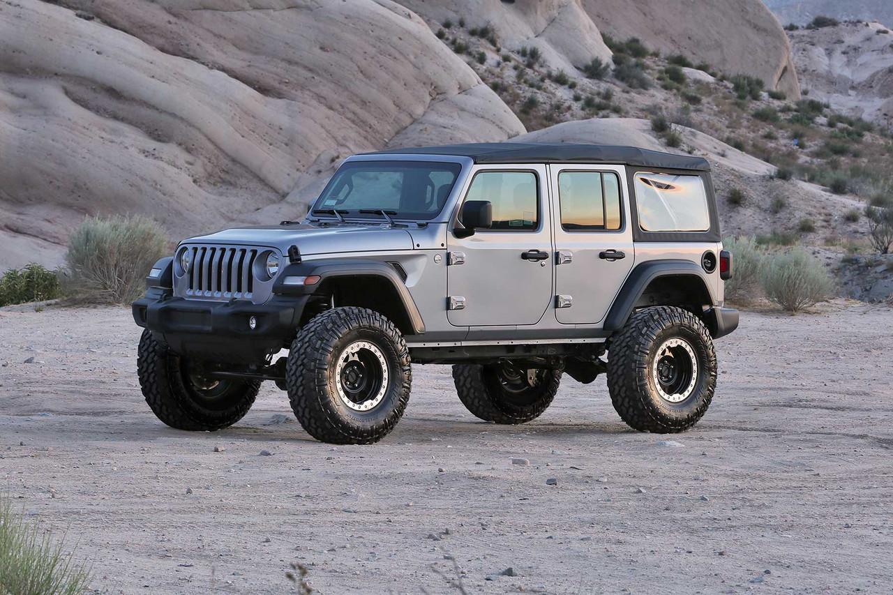 "Fabtech 5"" Trail System With Dirt Logic 2.25 Resi Shocks For Jeep Wrangler Unlimited JL - K4141DL"