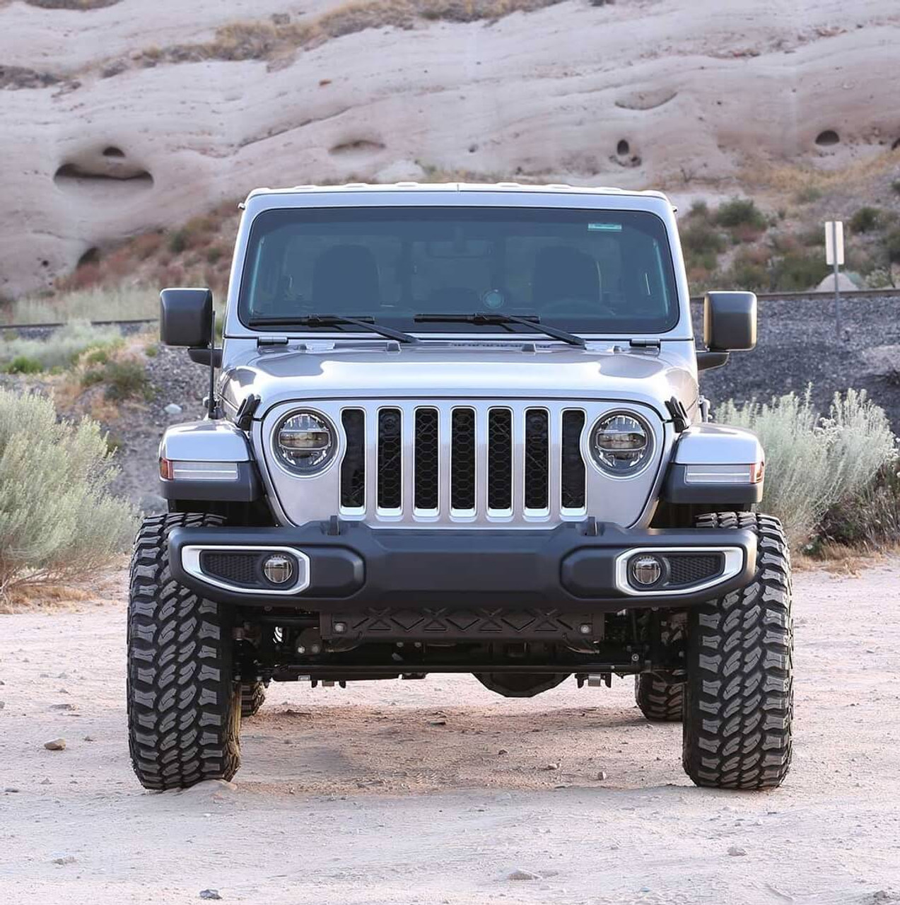 """Fabtech 5"""" Trail Lift Kit With Stealth Shocks For Jeep Gladiator - K4175M"""