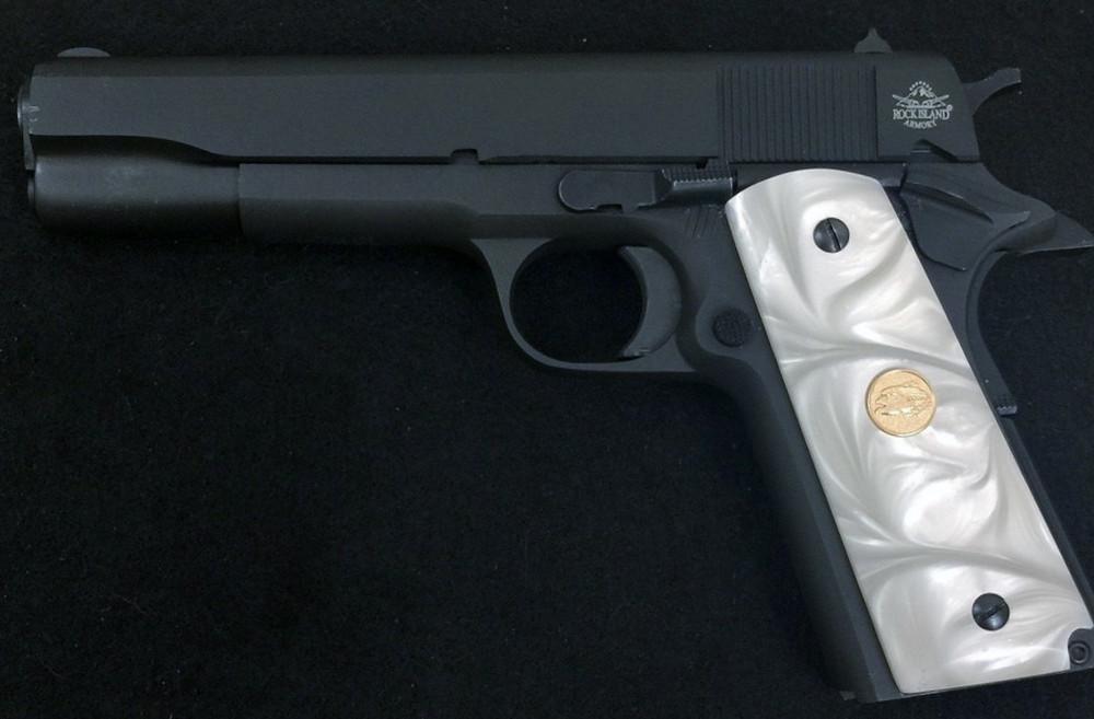 1911 Gun Grips Acrylic Pearl White w/gold eagle medallion