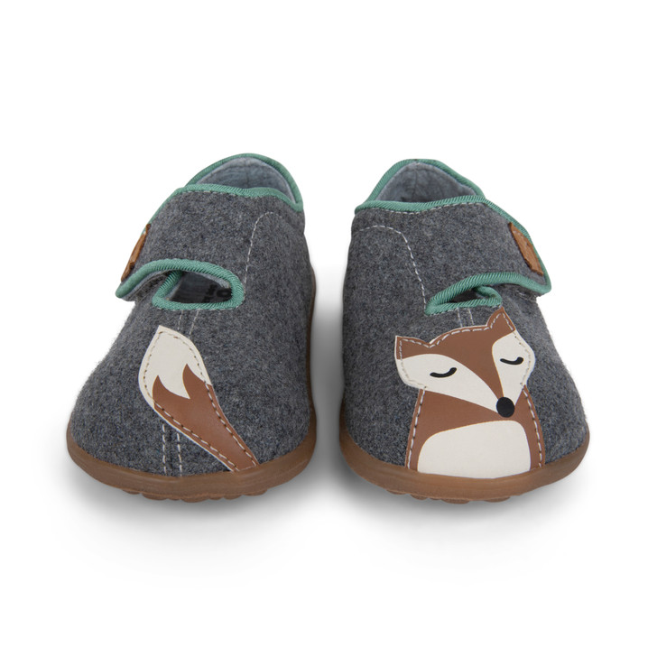 Front view of Cruz II Gray Fox Slipper