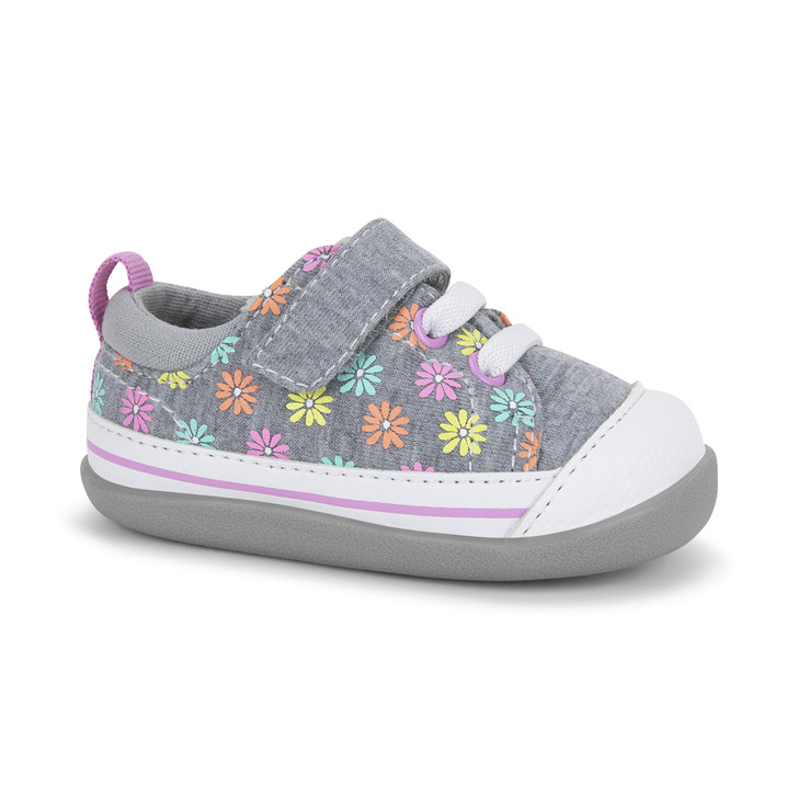 Front-Right Side view of Stevie (First Walker) Daisies shoe