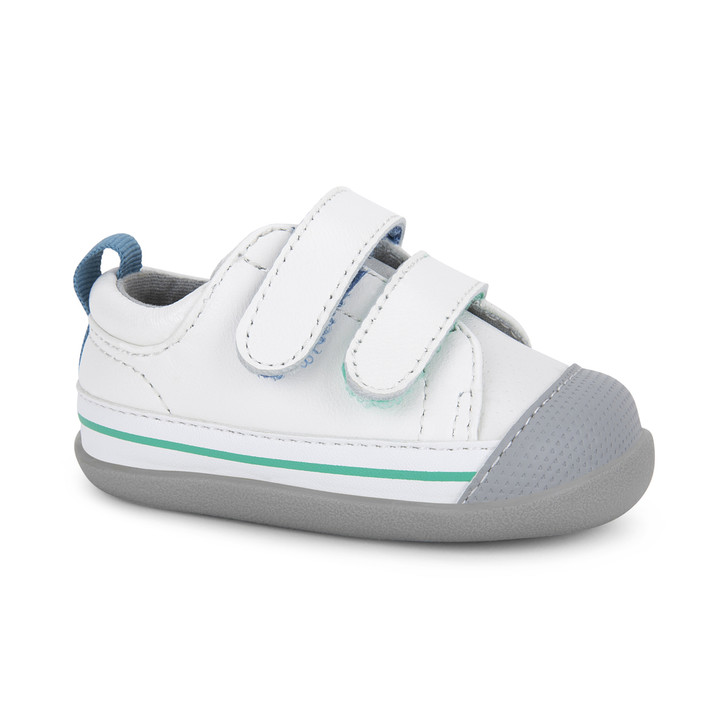 Front-Right Side view of Waylon (First Walker) White shoe