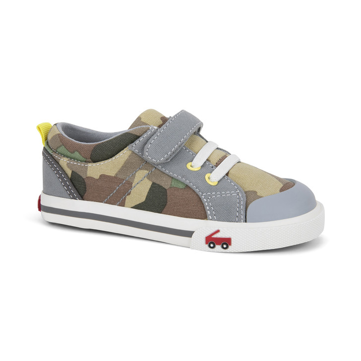 Front-Right Side view of the Tanner Camo shoe