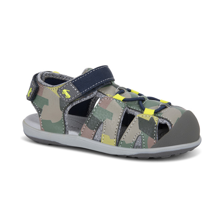 Front-Right Side view of the Lincoln Camo sandal