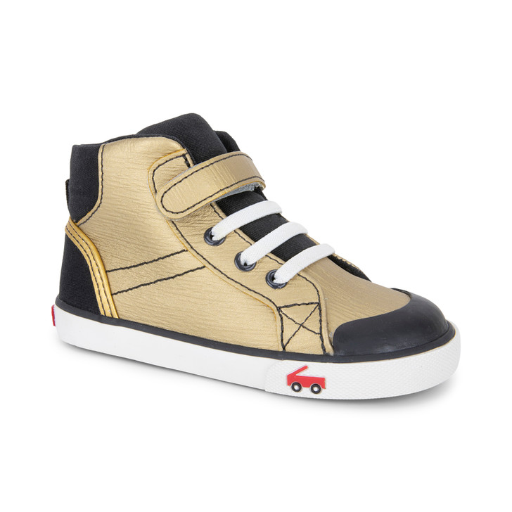 Front-Right Side view of the Dane Gold Leather shoe
