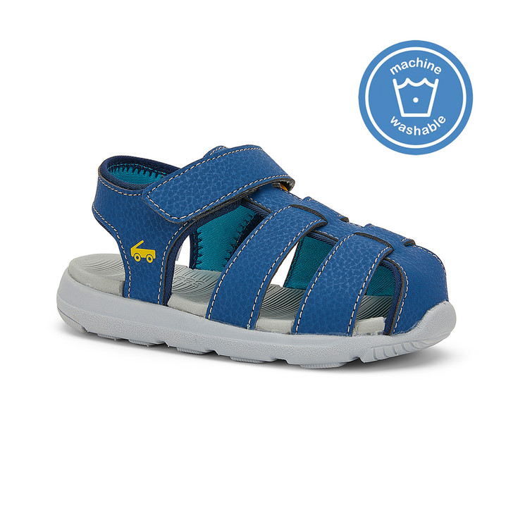 Front-Right Side view of the Cyrus FlexiRun Navy sandal