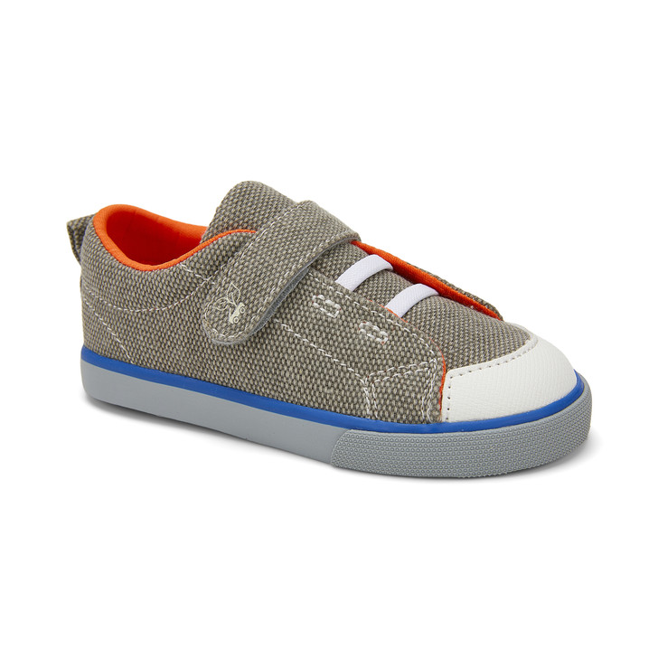 Front-Right Side view of Monterey Recycled Gray/Orange shoe