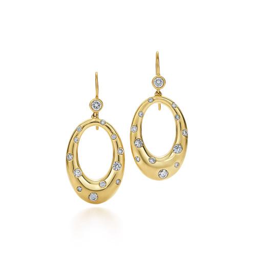 Kwiat Cobblestone Diamond Earrings Diamond earrings in 18k yellow gold
