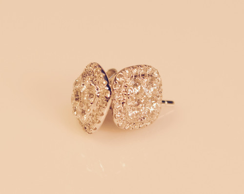 Diamond Clusters Earrings in 18kt white gold 0.99ct