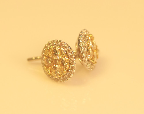 Diamond Clusters Earrings in 18kt white gold 0.75ct yellow and 0.22ct diamond