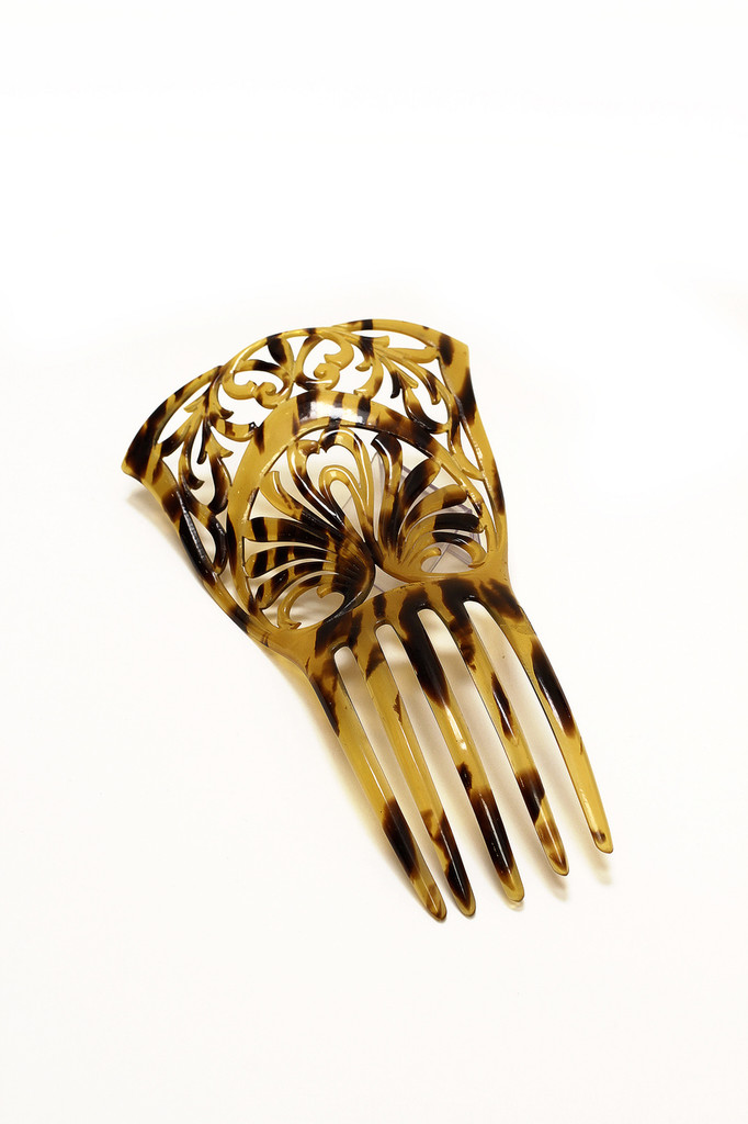 Vintage Carved Tortoise Shell Hair Comb