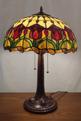Stained glass Tiffany style table lamp - red tulips
