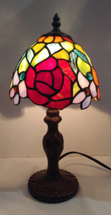 """Stained glass Tiffany style small table lamp - roses, 7"""" diameter"""