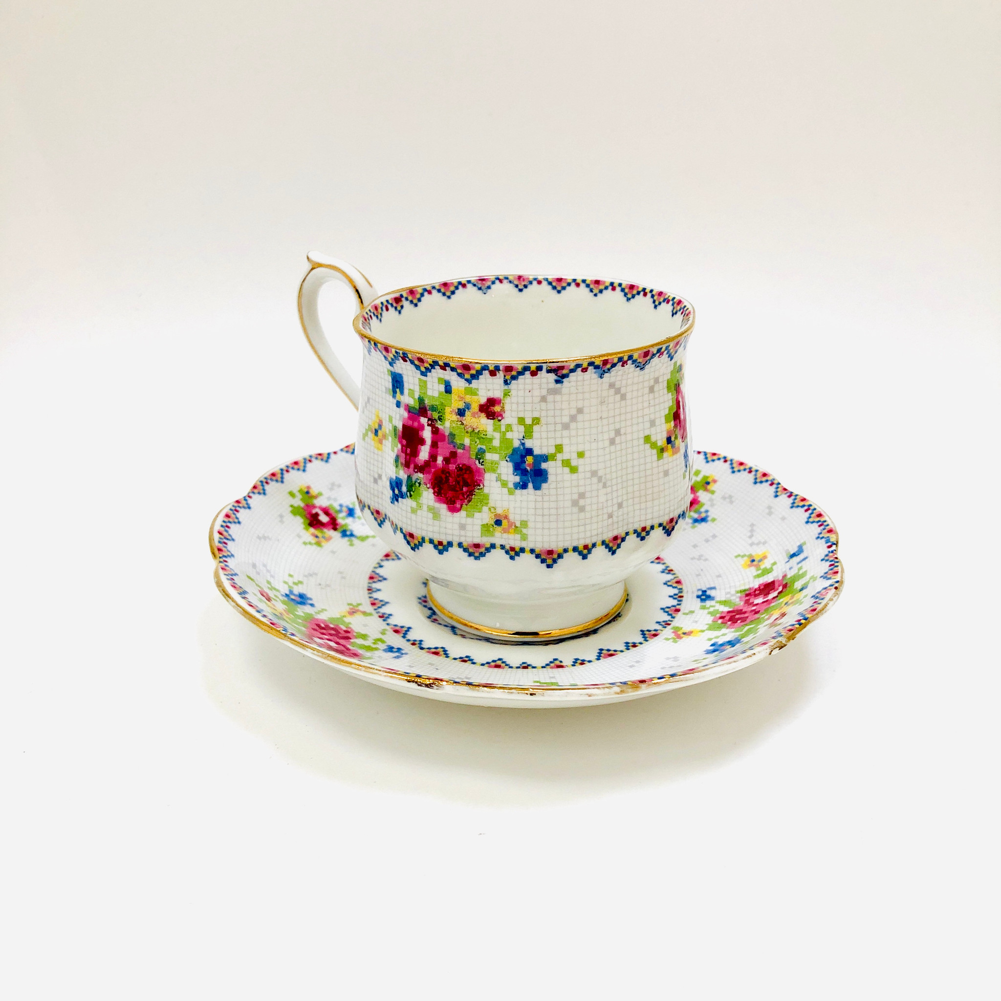 Royal Albert Petit Point Vintage Cup And Saucer Tea Cup Teacup Cup Saucer England Ibon Antiques