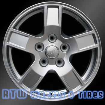17 inch Jeep Grand Cherokee  OEM wheels 9053 part# 5HT53ZDJAA, 5HT53TRMAA