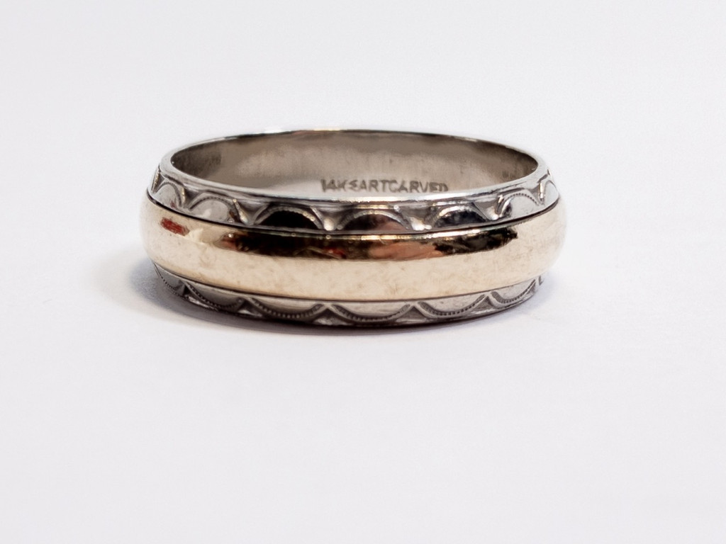 Vintage Two-tone Art Carved Wedding Band in 14kt gold