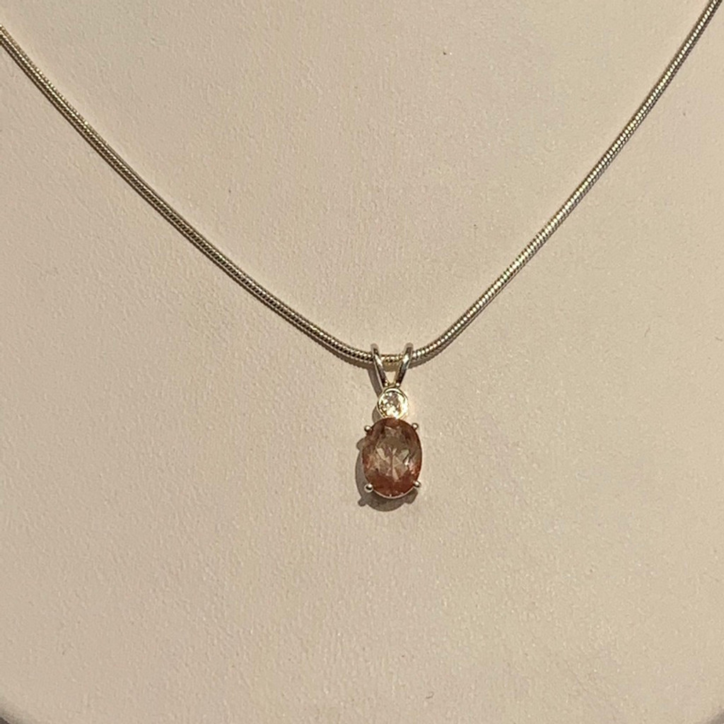 Solitaire Oval Oregon Sunstone Pendant Necklace