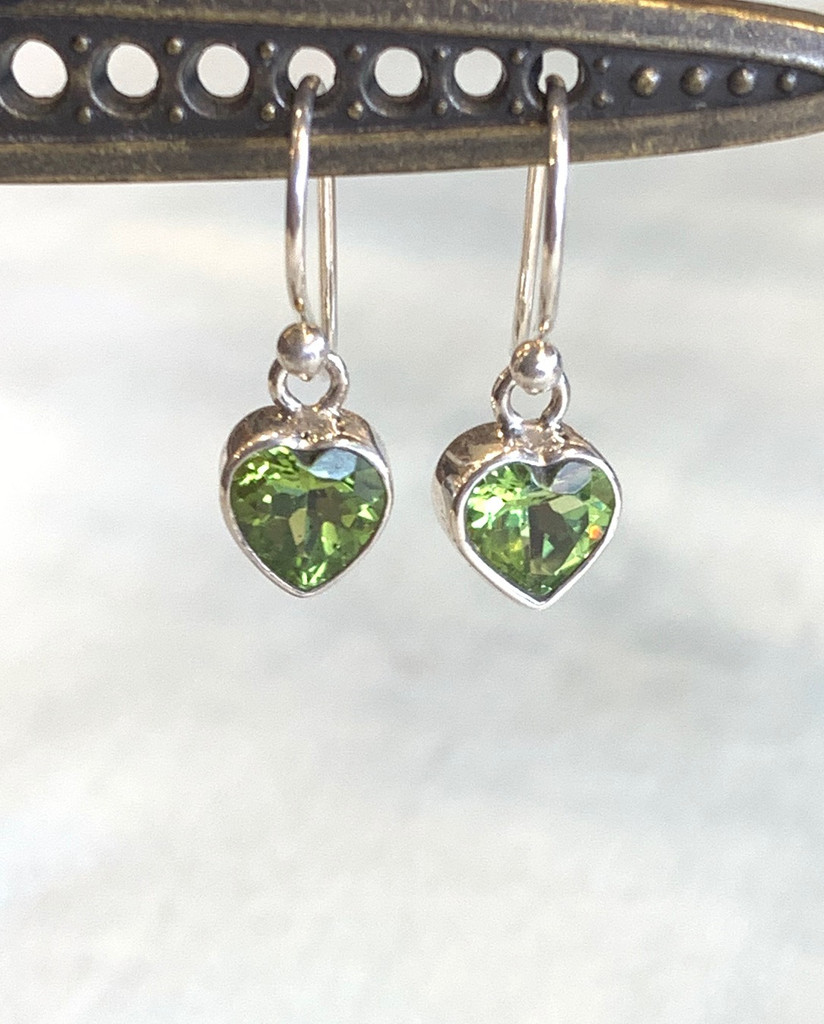 Faceted Peridot Heart Silver Dangle Earring