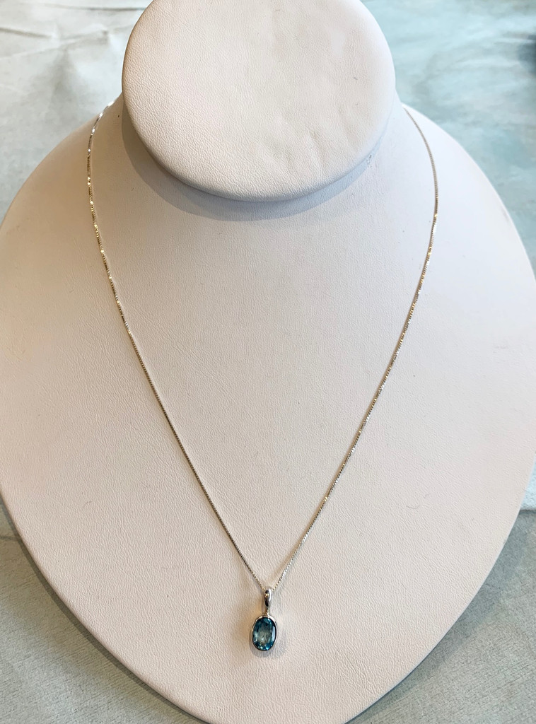 Small Faceted Oval Topaz Silver Pendant Necklace