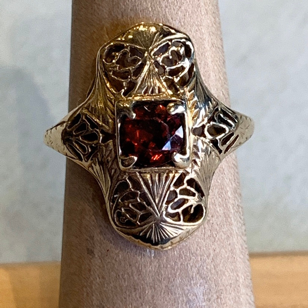 14k Antique Garnet Ring, Size  5 1/2