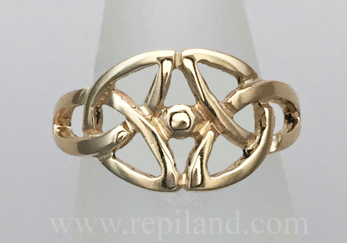 Gethin Knot Ring, trinity knots and large center bead.
