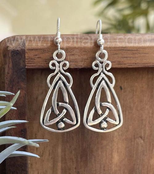 Mairsinn Knot Earrings, sterling
