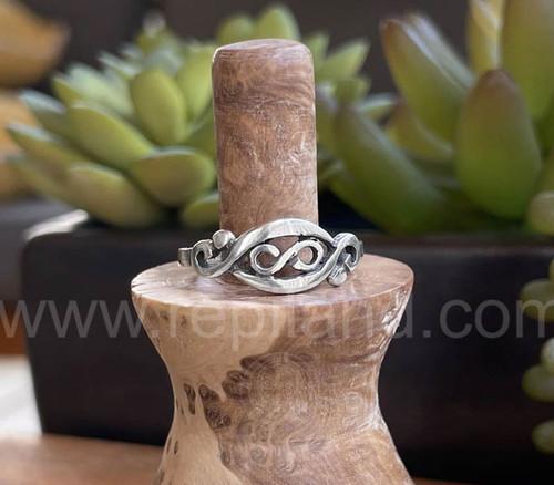 Gwenllian Ring, sterling