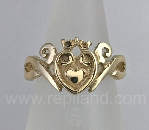 Claddagh Ring with knotwork sides, double heart center and crown.