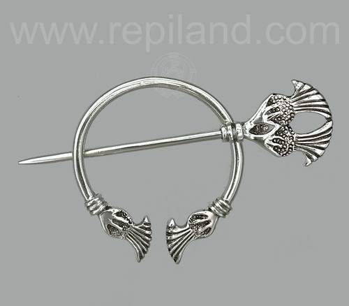 Plume thistle penannular in sterling.