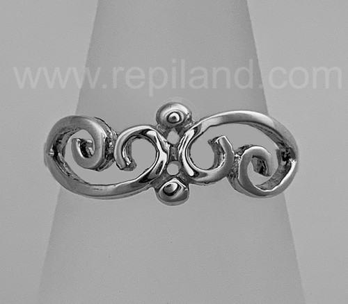 The Merrow Ring has 2 central beads with curls on each side.