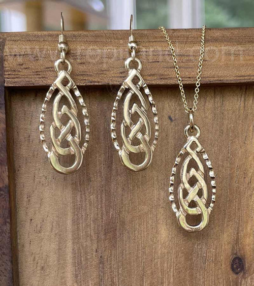 Aleine Knot Earrings, gold