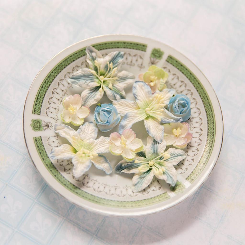 Blue Fern Studios - Radiance Flowers - Floral Basics - Blue (FLW FBB 686878)